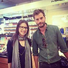 jamie-dornan: Jamie with a fan New fan picture: X | Jamie Dornan News