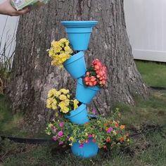 4 Easy DIY Gardening Tips & Tricks ❤ - Garten - paintter Diy Gardening, Garden Crafts, Garden Projects, Garden Art, Garden Design, Garden Ideas, Tire Garden, Diy Flowers, Flower Pots