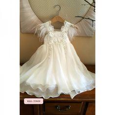Βαπτιστικό φόρεμα σ στυλ boho, με κορσάζ από βαμβακερή δαντέλα, λευκή ή nude απόχρωση και φούστα μουσελίνα. Κωδικός Προϊόντος: ΡΚ.16 Baptism Dresses For Toddlers, Girls Baptism Dress, Baptism Outfit, Catholic Wedding Dresses, Formal Dresses For Weddings, Toddler Dress, Baby Dress, Lace Outfit, Dress Lace