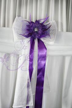 Pew decorations for church wedding wedding ceremony decorations this is a stunning fascinator style ceremony bow for church or wedding ceremonies junglespirit Image collections