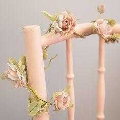https://www.sassandbelle.co.uk/Rose Garland Light Pink