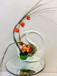 Formen außer Rand und Band  VALENTINO #floralart #fineart #Floristik #Design #Rosen  EBK-Blumenmönche Blumenhaus – Google+