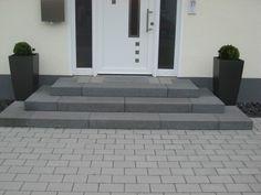 details zu treppe aussen haus eingang podest naturstein granit beton stufe setz schwarz. Black Bedroom Furniture Sets. Home Design Ideas