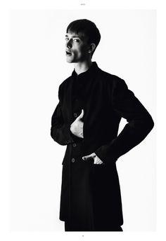 Minimalist Mens Fashion Pinned by Ricky Richards www.rickyrichards.com