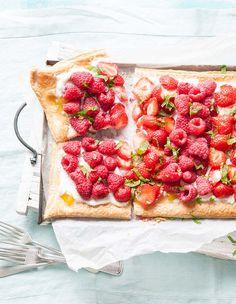 Deze zomerzoete plaattaart is belegd met zonnig Sweet Eve-fruit - Recept - Allerhande