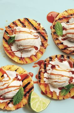 Tempting dessert for the summer party: grilled pineapple with ice cream and caramel sauce. Tempting dessert for the summer party: grilled pineapple with ice cream and caramel sauce. Grilled Pineapple Desserts, Bbq Desserts, Healthy Desserts, Dessert Recipes, Coctails Recipes, Tropical Desserts, Grilled Fruit, Pineapple Recipes, Easter Desserts
