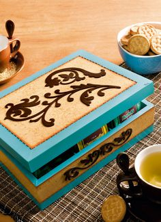 MDF Crafts: 87 Photos, Tutorials and Footsteps, Painted Boxes, Wooden Boxes, Decor Crafts, Diy Crafts, Cute Box, Country Paintings, Decoupage Paper, Little Boxes, Shabby