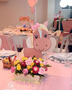 Learn how to carry out the best decoration of the Zenón farm for a girl… My percheron horse is the best, he works hard and I love him a lot and today this Cow Birthday, Horse Birthday Parties, Farm Animal Birthday, Cowgirl Birthday, Cowgirl Party, Birthday Party Themes, Farm Themed Party, Farm Party, Party Mottos