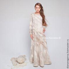 """Купить Платье из тончайшей мериносовой шерсти и шелка """"Gleam of the Moon"""" - белый, абстрактный"""