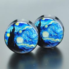 "Black acrylic plugs with a picture of the ""Starry Night"" painting by Vincent van Gogh. Quantity: Sold as 1 pair..."