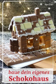 Schokohaus aus Schokoladentafeln bauen Instructions for a chocolate house. Build your dream house of chocolate bars with your whole family. Great Hinkucker for Advent, Nicholas or Christmas Eve. # chocolate Related posts:We. Christmas Feeling, Christmas Eve, Xmas, Chocolate Navidad, Christmas Chocolate, Chocolate House, Chocolate Bars, Vegan Chocolate, Diy Home Crafts
