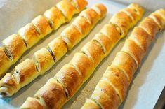 paszteciki_5130 Slow Food, Tomate Mozzarella, Fish Salad, Snacks, Holiday Baking, Hot Dog Buns, Food And Drink, Appetizers, Cooking Recipes