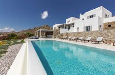 React Architects Design a Holiday Home on Mykonos, Greece