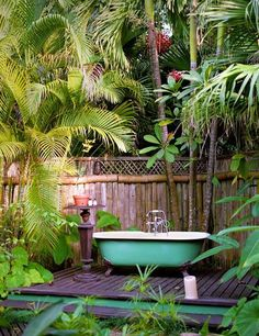 Outdoor Bathroom Design Ideas with Nature - Ideaz Home Outdoor Bathtub, Outdoor Bathrooms, Outdoor Rooms, Outdoor Gardens, Outdoor Living, Outdoor Decor, Outdoor Showers, Interior Tropical, Garden Shower
