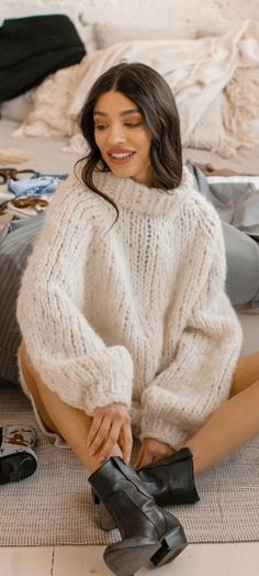 sweaters, knit, crochet Angora Sweater, Sweater Outfits, Turtle Neck, Wool, Knitting, Womens Fashion, Women's Sweaters, People, Jumpers