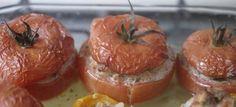 TOMATES FARCIES Il vous reste un peu de Daube de la veille ou vous avez juste envie d'un plat équilibré et facile à réaliser: dans tous les cas, les tomates farcies sont une réponse idéale.