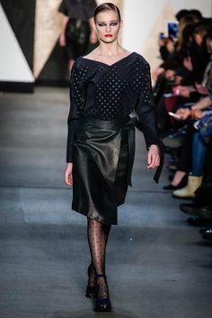 @Jen Kao #catwalk #NewYork #pretaporter #FW #2013 #trends #punching #in
