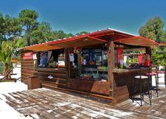 A Maguide, face au lac, et directement sur la plage l'Idylle vous confectionne tout au long de la journée des grillades, brochettes maison, mais aussi  sandwichs, panini, salades fraîcheur et autres douceurs sucrées, crêpes, gaufres et glaces. - See more at: http://www.biscarrosse.com/activites/ou-manger/l-idylle-plage-snack#sthash.YSCbtkDd.dpuf