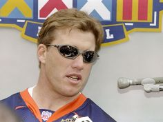 20 Jan 1998:  Quarterback John Elway of the Denver