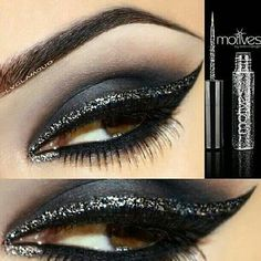 Black smokey eyes with glitter eyeliner Gorgeous Makeup, Love Makeup, Beauty Makeup, Makeup Looks, Black Makeup, Smoky Eyes, Black Smokey Eye, Glitter Liner, Tips Belleza