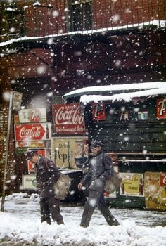 Postmen, 1952 - Saul Leiter