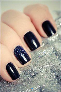 subtle nail art, black and glitter