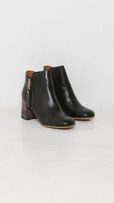 See by Chloe Jamie Ankle Boots in Nero | The Dreslyn