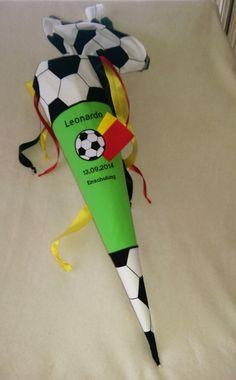 Stoff+Schultüte+Zuckertüte+Fußball+von+Bei+Irene+auf+DaWanda.com
