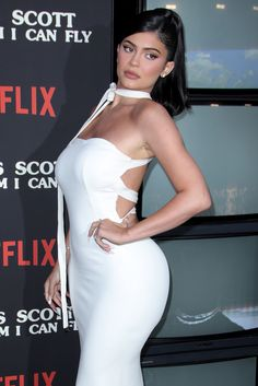 Strappy Back Midi Dress White - Kylie Jenner - Luxe Dresses and Celebrity Inspired Facion Kylie Jenner Dress, Mode Kylie Jenner, Kyle Jenner, Kim Kardashian, White Midi Dress, Inspirational Celebrities, Runway Models, Celebrity Style, Bodycon Dress