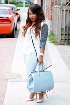 Polished Neutrals and Skinny Jeans - YLF Light Blue Jeans Outfit, Blue Jean Outfits, Curvy Outfits, Cool Outfits, Black Women Fashion, Womens Fashion, Petite Dresses, Viera, Personal Style