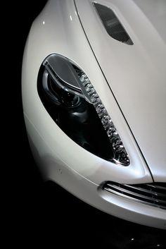 V12 Vanquish