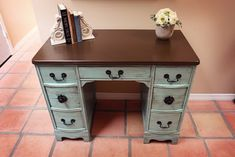 is exactly what I want to do for a desk in our Den. Just need to find the desk to paint and stain! Refinished Desk, Refurbished Furniture, Repurposed Furniture, Painted Furniture, Repainted Desk, Furniture Projects, Furniture Making, Home Projects, Diy Furniture