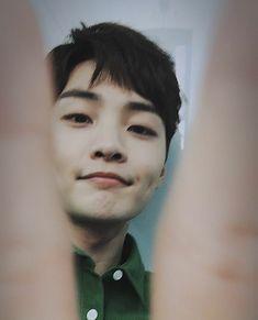 Image in Kim MInjae collection by Saejin on We Heart It Korean Male Actors, Korean Men, Asian Actors, Hoseok, Taehyung, Seo Kang Joon, Kdrama Memes, Lee Seung Gi, Joo Hyuk