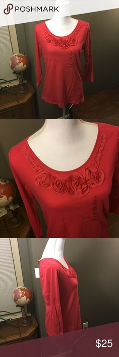 🆕 Loft Pink Red Floral Appliqué Blouse NWT Medium Brand new with tags! Thank you for looking! LOFT Tops Blouses