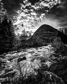 "109 likerklikk, 16 kommentarer – Kim André Hansen🇧🇻Bnw (@kiahans78) på Instagram: ""Norway Valldal. Tags #bwgrammer #explore_bnw #bw_addiction #bnw_zone #raw_bnw #bnwzone…"" Black White Photos, Black And White Photography, Old Pictures, Norway, Mountains, Daydream, Travel, Instagram, Black White Photography"