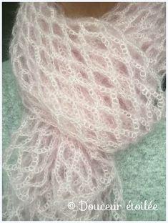 Ball of sweetness … – * Starry sweetness * – Crochet Crochet Scarves, Crochet Shawl, Free Crochet, Knit Crochet, Lace Knitting, Knitting Patterns, Crochet Patterns, Crochet Market Bag, Bolero