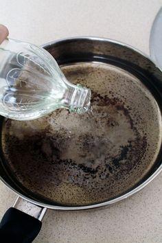 Cleaning burnt pans: Vinegar + baking soda + water = magic