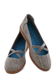 cute crisscross flats http://rstyle.me/n/p47tvr9te