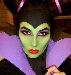 Halloween Makeup Witch: Witch of the West or Maleficent? - Trucco Halloween Strega: Strega dell'Ovest o Maleficent? Halloween Makeup Witch: Witch of the West or Maleficent? Maleficent Cosplay, Maleficent Makeup, Maleficent Halloween, Halloween Makeup Witch, Looks Halloween, Disney Makeup, Witch Makeup, Sexy Halloween Costumes, Disney Costumes
