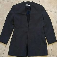 Beragamo Italy Lined Blazer! Gray Lined Blazer With Two Front Pockets Along Seam And One Hook And Eye Closure. Longer Cut, Would Look Cute With Tights And Boots For The Office! Bergamo Italy Jackets & Coats Blazers