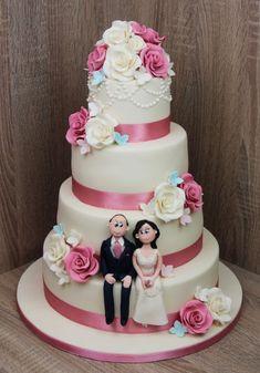 Cake City - Designer Cakes and Cupcakes in Lahore Cupcake Cakes, Cupcakes, Mothers Day Cake, Custom Cakes, Yummy Cakes, Cake Designs, Chocolate Cake, Cake Decorating, Wedding Cakes