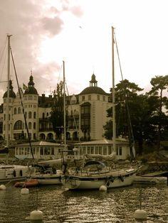 #Saltsjöbaden #HallbergRassy #sailing #boats #GrandHotell