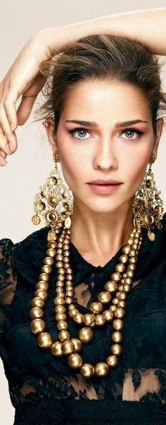 5aa50841ec8 Seguici su Hermans Style diventa nostra fan ed entrerai nel mondo  fantastico del Glamour !