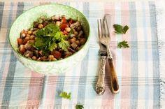Salada de grão-de-bico com carne e vinagrete   Panelinha - Receitas que…
