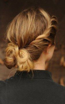 messy buns for medium hair