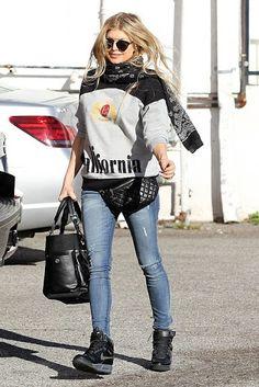 ca4773b5d758 Fergie wearing Chanel Paris-Biarritz Tote