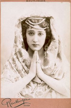 La belle Otero. She made 25,000,000 selling sex and was a famous dancer/courtesan. She lived to a ripe old age and died penniless.