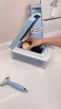 Cool Gadgets To Buy, Cool Kitchen Gadgets, Home Gadgets, Cooking Gadgets, Kitchen Items, Cool Kitchens, Cooking Tools, Kitchen Tools, Ideas Armario