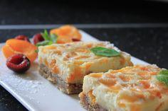 Krupicový koláč s marhuľami.  RECEPT: www.mnamkyrecepty.sk/recipe/krupicovy-kolac-s-marhulami/