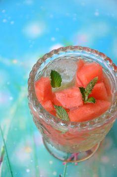 Wassermelonen-Apfelessig-Tonic - http://dasmaedelvomland.blogspot.co.at/2015/07/wir-retten-sommergetranke.html